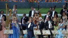Concierto de Andre Rieu en Maastricht hace bailar de alegría y llorar de emoción (Vídeo)