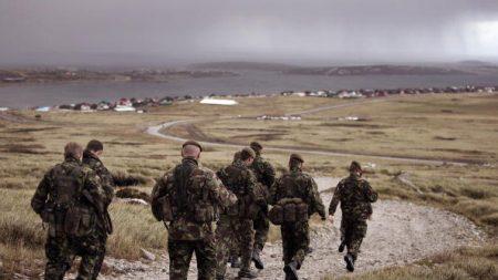 El Reino Unido confirmó que reforzará su base militar en Malvinas