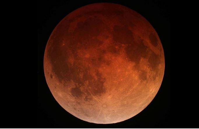 Eclipse lunar total del 4 de abril sorprenderá a América desde California. ( Tomruen - Wikimedia Commons)