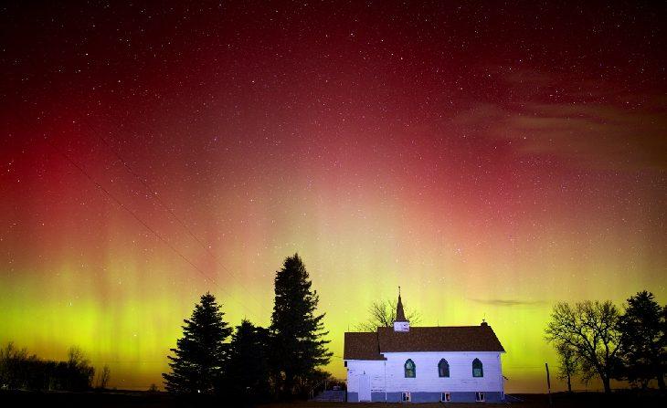 Aurora boreal del 15 de marzo de 2015 a unos kilómetros al este de Chester, Dakota del Sur, EE.UU. (Christian Begeman- Galería Space Weather)