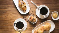 Beber café podría aumentar las posibilidades de sobrevivir al cáncer de intestino