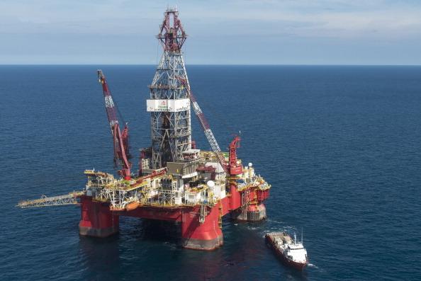 """Imagen de plataforma petrolera operada por el mexicano """"Grupo R"""", en el Golfo de México, que trabaja para PEMEX. (OMAR TORRES/AFP/Getty Images)"""