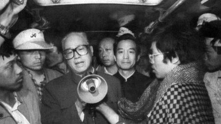 Zhao Ziyang, un flexible pensador en Tiananmen, es enterrado 10 años después de su muerte