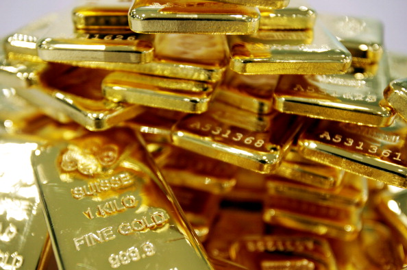 Lingotes de oro de un kilogramo reunidos en Tailandia. (Dario Pignatelli/Bloomberg via Getty Images)