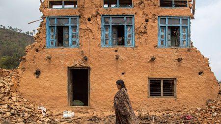 Más de 1.100 muertos en el terremoto en Nepal, según cifras oficiales