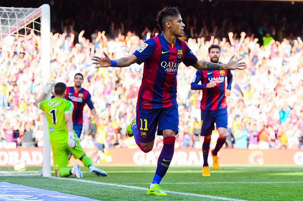 Neymar festeja su gol frente al Real Sociedad, en el Camp Nou, 10 de mayo de 2015. (David Ramos/Getty Images)
