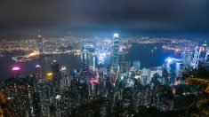 Comentaristas políticos dicen que Hong Kong es menos competitivo y es culpa de China