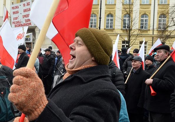 Ciudadanos polacos. Foto: JANEK SKARZYNSKI/AFP/Getty Images)