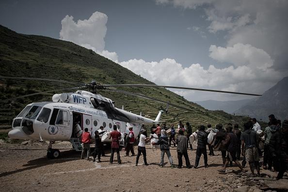 El helicóptero estadounidense que llevaba ayuda viajaba con seis miembros de Marines Corp y dos soldados nepalíes. Foto:  PHILIPPE LOPEZ/AFP/Getty Images