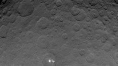 A 7000 metros de los curiosos puntos brillantes de Ceres
