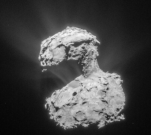 Imagen del Cometa 67/  Churyumov–Gerasimenko captada desde la nave espacial Rosetta el 14 de marzo de 2015. ESA/Rosetta/NAVCAM – CC BY-SA IGO 3.0