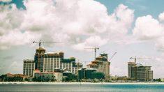 Las inversiones chinas más grandes en bienes raíces en el extranjero están en el limbo