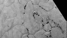 """La """"llanura Sputnik"""" en el corazón de Plutón, revelan geólogos de la NASA"""