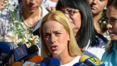 Lilian Tintori llegó a Paraguay para reunirse con Horacio Cartes