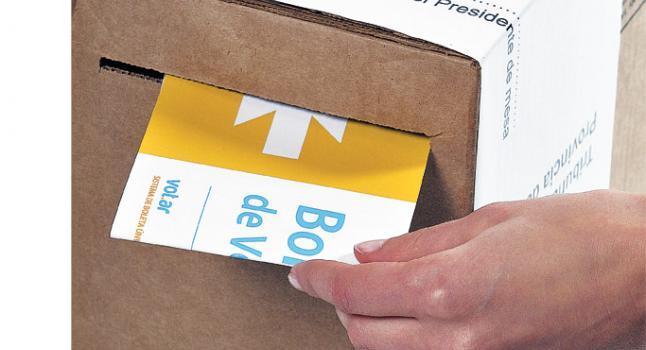 Urna donde se depositan los votos en el sistema convencional en Argentina. Foto: Wikimedia Commons