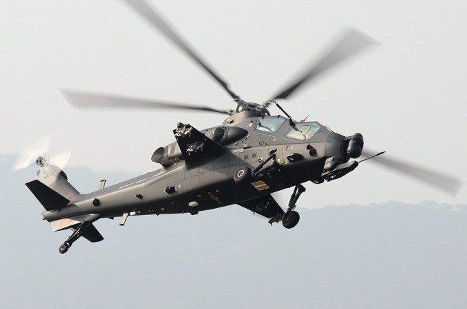 """El helicópter Changhe Z-10 de China se parece al estadounidense Sikorsky UH-60, conocido popularmente como """"Black Hawk"""". (Shimin Gu/Wikimedia Commons)"""