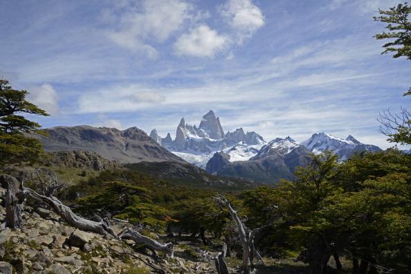 Vista del Monte Fitz Roy cerca de la ciudad de El Chaltén, en la provincia de Santa Cruz, Argentina, el 18 de marzo de 2014. AFP PHOTO / MARIO GOLDMAN (Photo credit should read MARIO GOLDMAN / AFP / Getty Images)