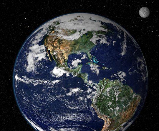 La Terra con las tres américas visibles desde el satélite Tierra de la NASA, en una combinación de imágenes con el satélite GOES de NOAA. Imagen publicada el  17 de octubre de 2000 (NASA/NOAA)