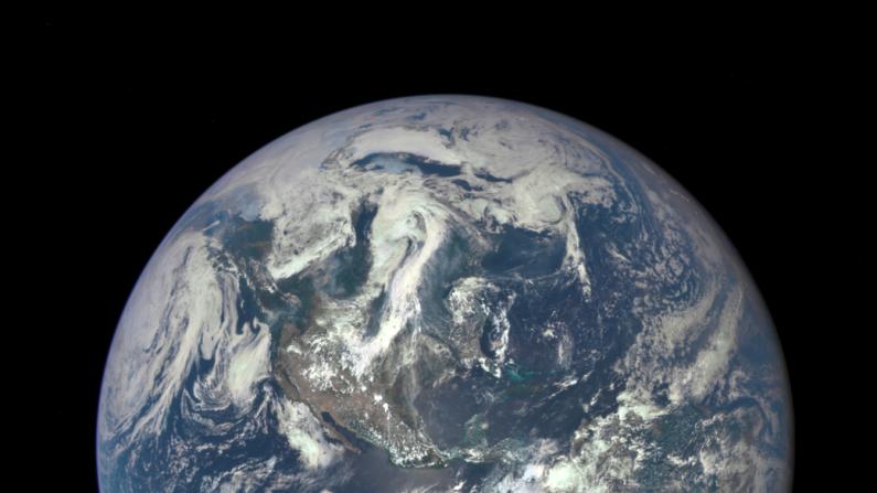 Tierra fotografiada el 6 de julio de 2015 desde un satélite de la NASA con la cámara EPIC. ( NASA)