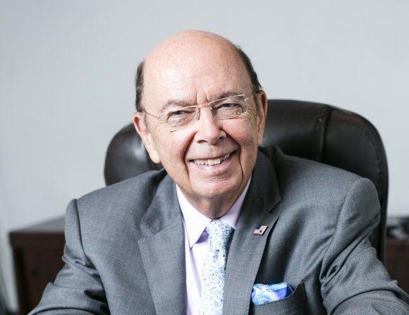 El inversor multimillonario Wilbur L. Ross junior, presidente y director de estrategia en WL Ross & Co., en Manhattan, el2 de septiembrede 2015. (Samira Bouaou / La Gran Época)