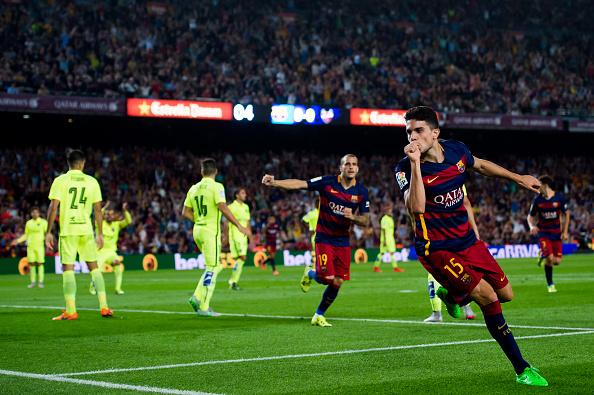 Marc Bartra del FC Barcelona celebra después de anotar el primer gol durante el partido de Liga entre el FC Barcelona y el Levante UD en el Camp Nou el 20 de septiembre, 2015, en Barcelona, España. (Alex Caparrós / Getty Images)