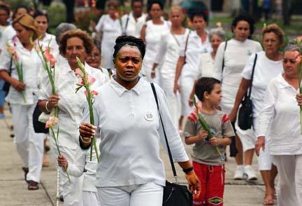 """Más de 200 activistas detenidos en Cuba por campaña nacional """"Todos Marchamos"""". (damasdeblanco.com)"""