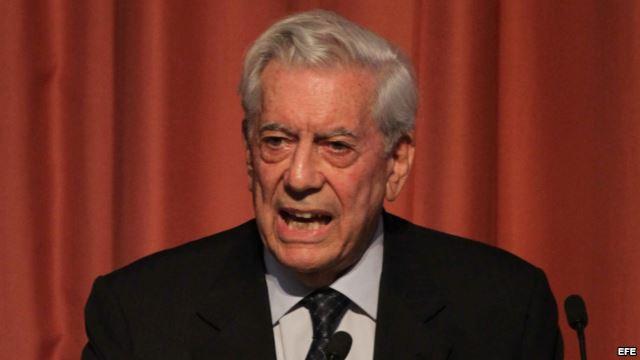 Foto del archivo de Mario Vargas Llosa, en la Universidad de Lima (Perú). (EFE vía matinoticias.com)
