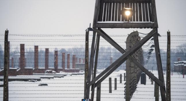 Una torre de vigilancia en el sitio que recuerda al campo de concentración de Auschwitz-Birkenau, en Oswiecim, Polonia, 26 de enero de 2015. (Odd Andersen/AFP/Getty Images)