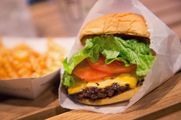 Lo que hay que correr para quemar las calorías de una hamburguesa. (Photo Illustration by Scott Olson/Getty Images)