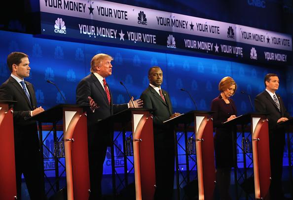 Diez candidatos republicanos a la nominación presidencial debatieron el miércoles, 28 de octubre de 2015, en Boulder, Colorado. (Justin Sullivan/Getty Images)