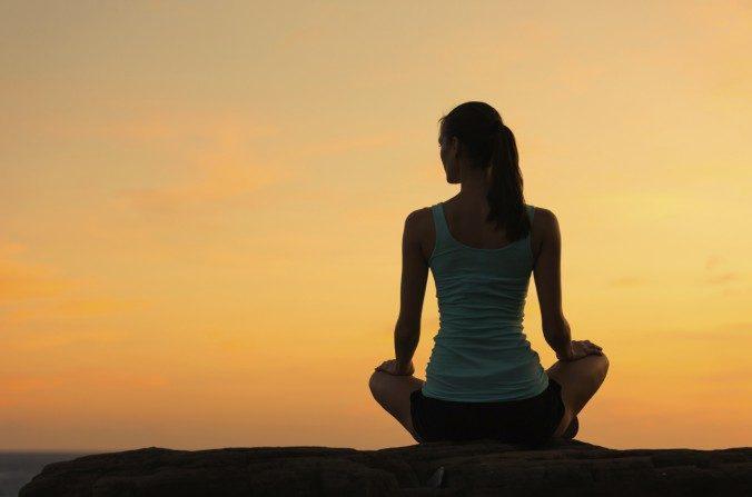 La medicina china atribuye gran importancia a la unidad y a la integridad del cuerpo humano. Foto: Meditación. (kieferpix/iStock)