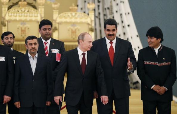 Reunion de los mandatarios de Russia Vladimir Putin, Venezuela Nicolas Maduro y Bolivian Evo Morales (Photo credit should read YURI KOCHETKOV/AFP/Getty Images)