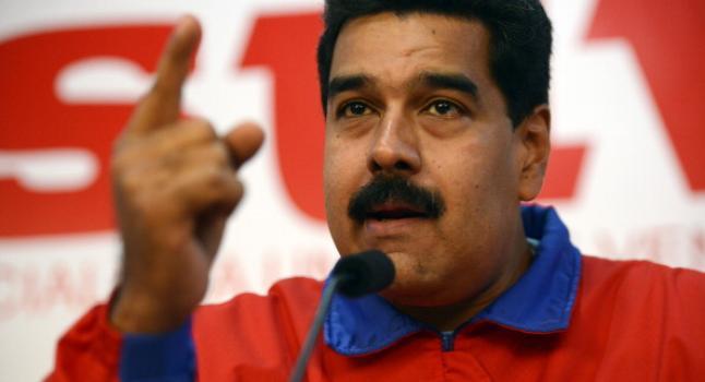 El gobernador del Táchira, José Vielma Mora, dijo que la frontera en Cúcuta se reabrirá entre 1:00p.m. y 6:00p.m para que tractomulas vacías, que quedaron atrapadas tras el cierre fronterizo en agosto, regresen a sus territorios (LEO RAMIREZ/AFP/Getty Images)