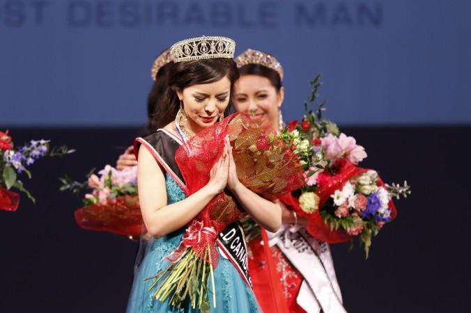 Anastasia Lin, cuando fue coronada Miss Mundo Canadá.