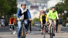 Viajar en colectivo a diario sería más saludable que trasladarse en bici o a pie