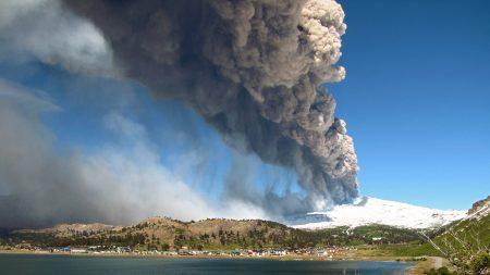 Chile: Alerta amarilla por incremento en la actividad del volcán Copahue