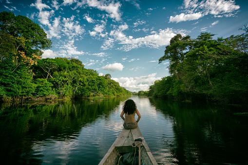 La investigación concluye que el incremento de la pérdida total de agua dulce a la atmósfera, por evapotranspiración, es de 4.370 kilómetros cúbicos anuales, lo que equivale a dos tercios del flujo anual del río Amazonas, el más caudaloso del mundo. Crédito: by Kim Schandorff