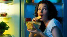 Comer tarde por las noches, ¿colabora en el aumento de peso?