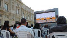 Los porteños despiden el año con la magia de los documentales de Shen Yun frente al Colón