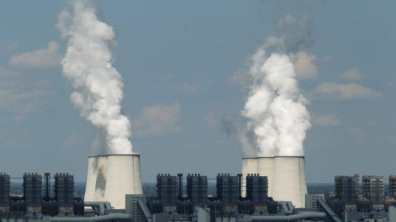 La planta Jaenschwalde, construida por el gobierno alemán en la década de 1980, emite anualmente 25 millones de toneladas de CO2 y es uno de los mayores productores individuales de las emisiones de CO2 en Europa. (Sean Gallup/Getty Images)