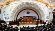 Chavistas nombran magistrados en tensa sesión antes de perder control parlamentario
