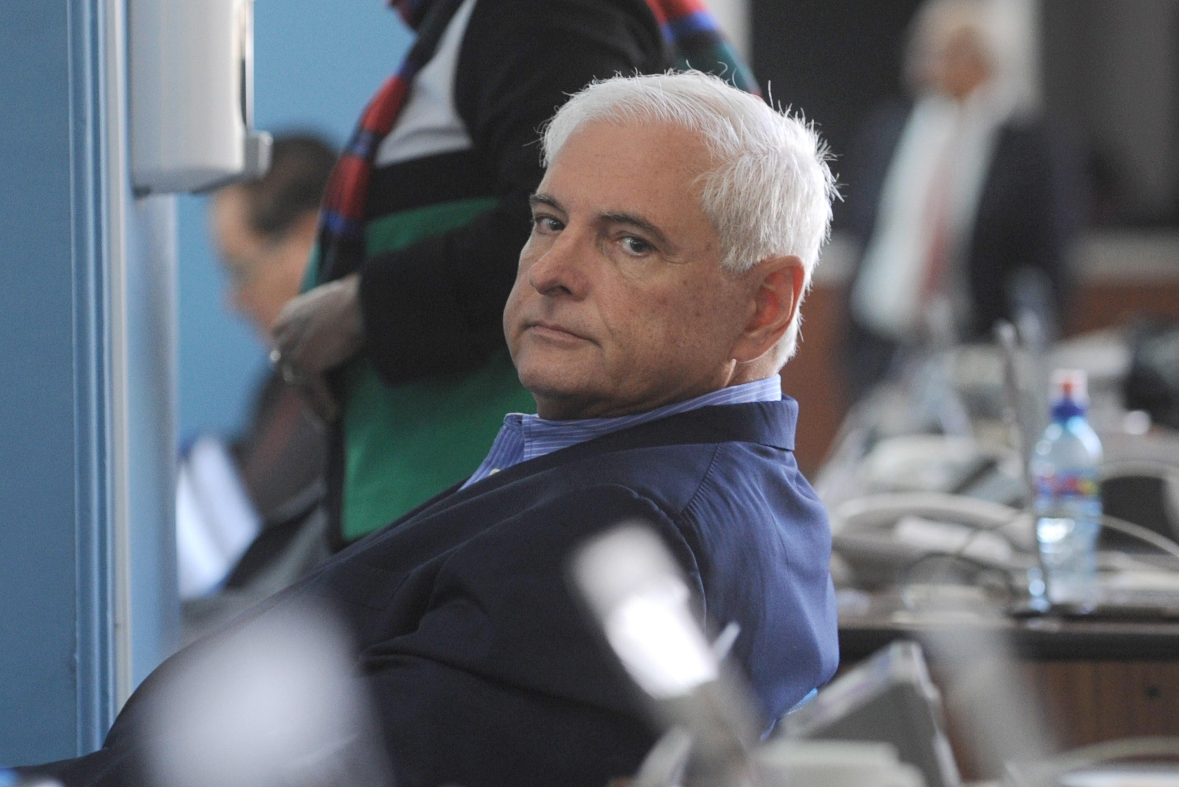 Arrestan al ex presidente de Panamá Ricardo Martinelli, opositores celebran