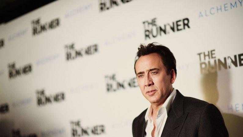Nicolas Cage devuelve fósil de dinousaurio robado de Mongolia que compró en subasta.  (Jason Kempin/Getty Images)