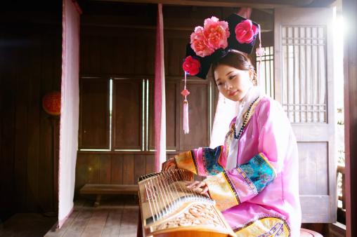 Una composición musical llamada Zhou Li se hizo conocida entre los músicos como una pieza imposible de tocar durante la época de Wan. Sin embargo cuando la gente le pedía a Wan que la tocara, él de inmediato comenzaba a tocar. Todo el mundo estaba impresionado por su habilidad (Anakin Tseng/Getty)