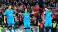 Barcelona saca medio pase a semifinales en Bilbao (2-1); Atlético empata en Vigo