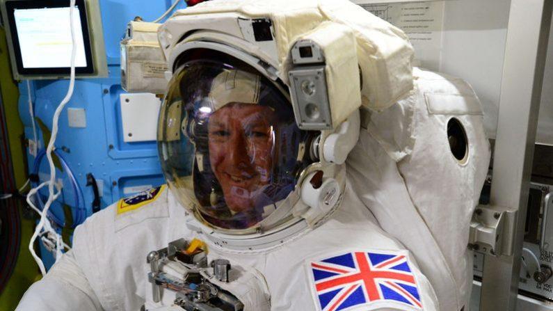 El astronauta británico Tim Peake su colega estadounidense Tim Kopra realizarán una caminata espacial. Ambos pertenecen a la Expedición 46 de la Estación Espacial Internacional (NASA)
