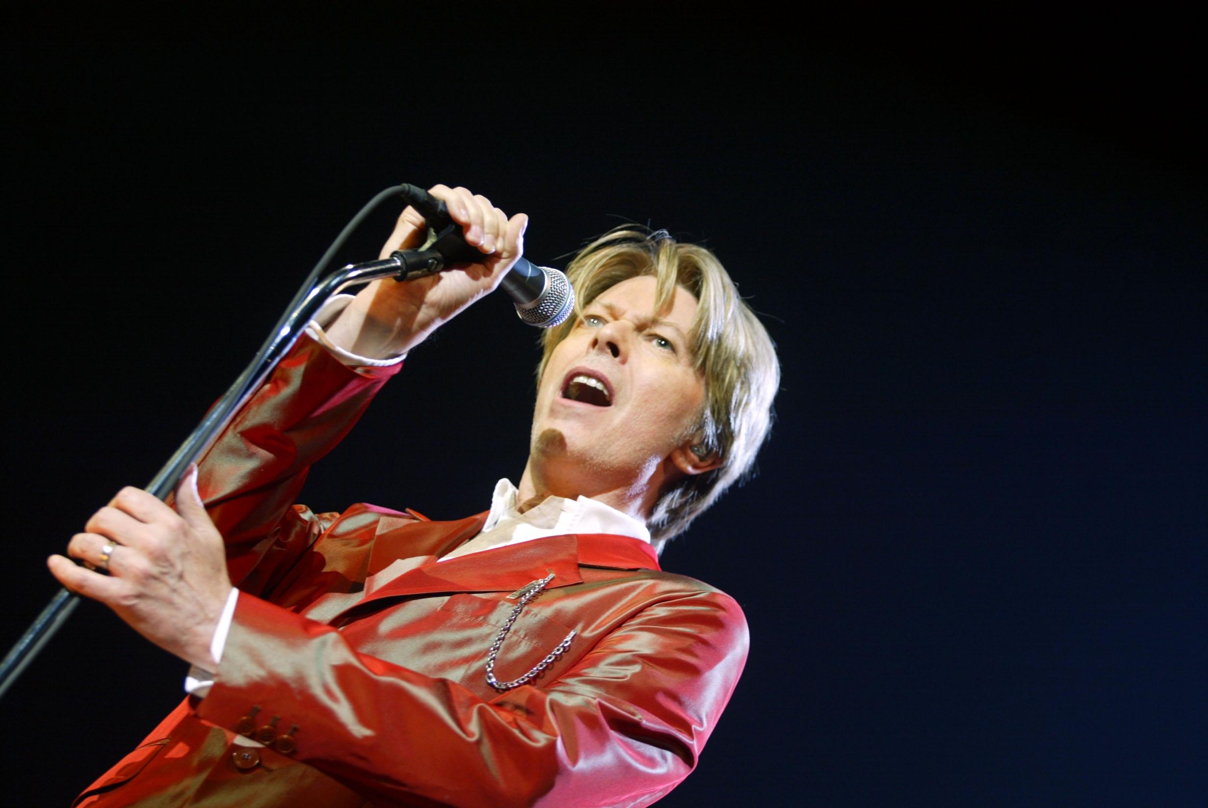 Adiós interestelar a David Bowie, el poeta del espacio