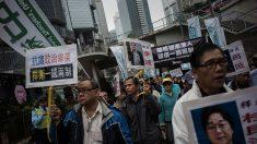 Protestas en Hong Kong para pedir liberación de empleados de editorial