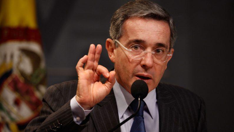 Ex presidente colombiano, Álvaro Uribe, junio de 2009 (Foto por Chip Somodevilla / Getty Images)