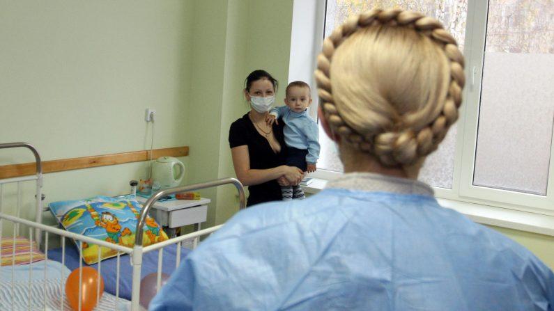 Científicos chilenos desarrollan primera vacuna contra nocivo virus respiratorio Sincicial. (ALEXANDER PROKOPENKO/AFP/Getty Images)
